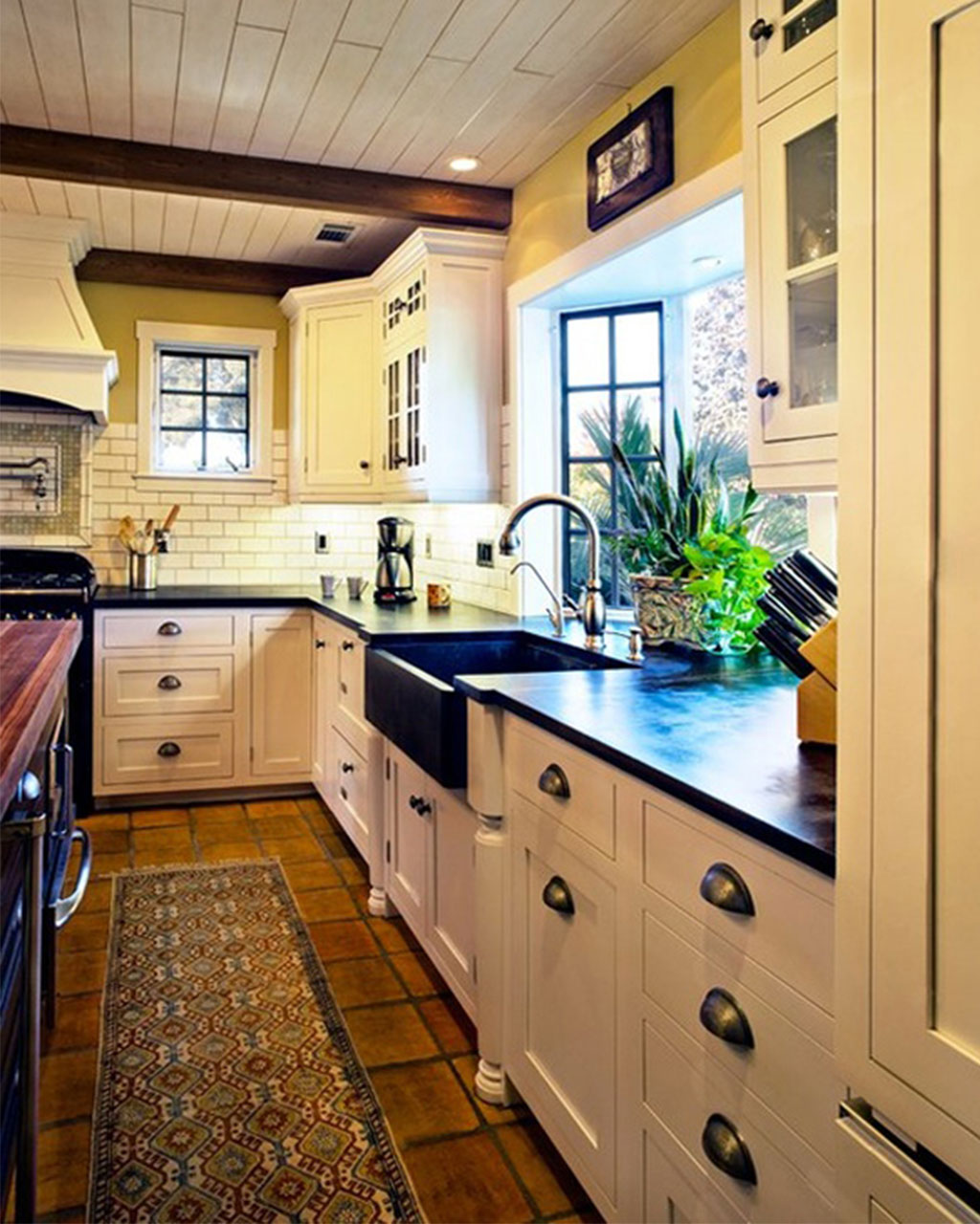 Kitchen Styles: Loretta J. Willis, DESIGNER