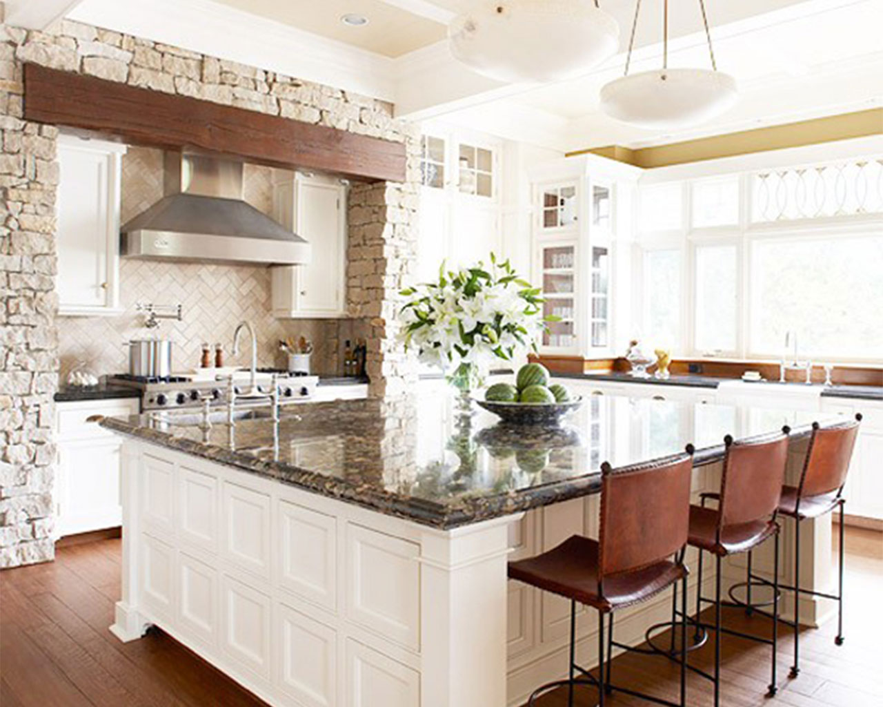 Kitchen trends 2015 loretta j willis designer for Kitchen design with island