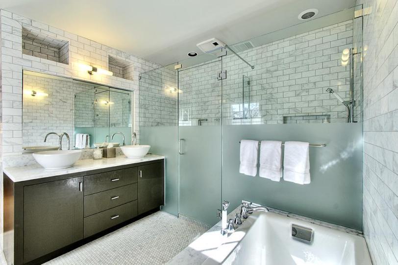 Master bath decorating trends 2015 loretta j willis for Latest bathroom tile trends 2015