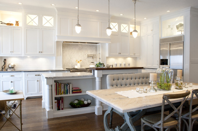 Attrayant Traditional Kitchen With Inside/Under Cabinet Lighting By Benjamin  Blackwelder Cabinetry