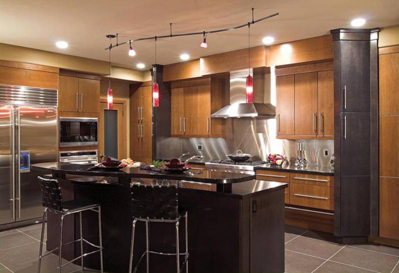 Kitchen lighting trends leds loretta j willis designer transitional style kitchen with rail lighting hgtv workwithnaturefo