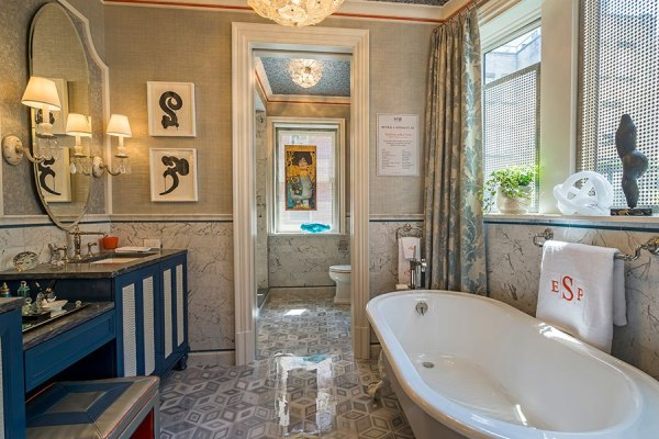 Sophisticated Bath by Peter J. Sinnott IV ~ 2015 Kips Bay Decorator Show House
