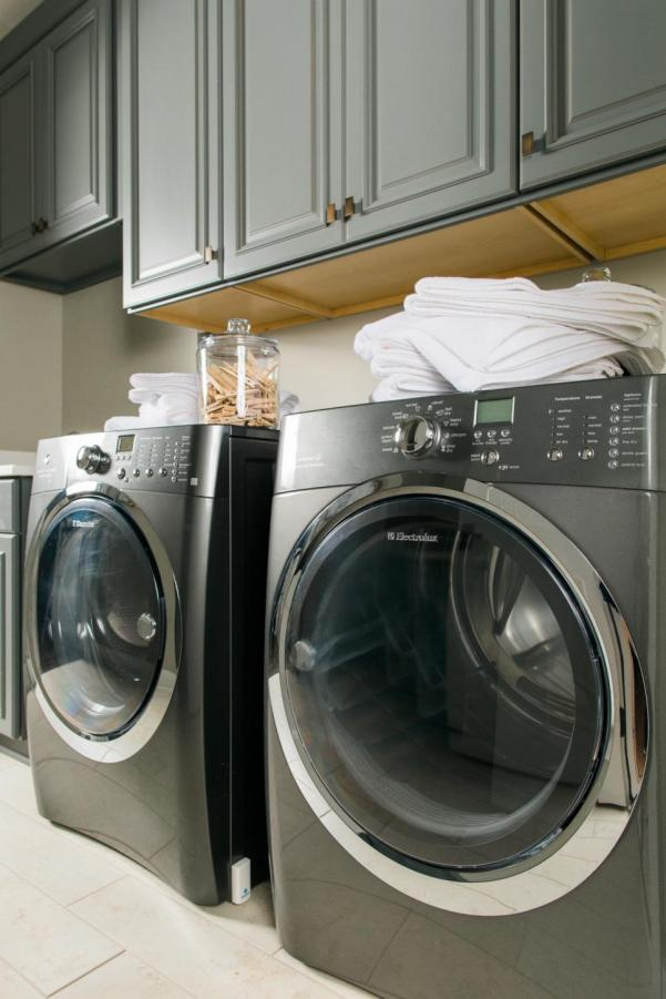 HGTV Smart Home Laundry Room with Water Sensors that Alert to Avoid Major Damage & Flooding for Leaks