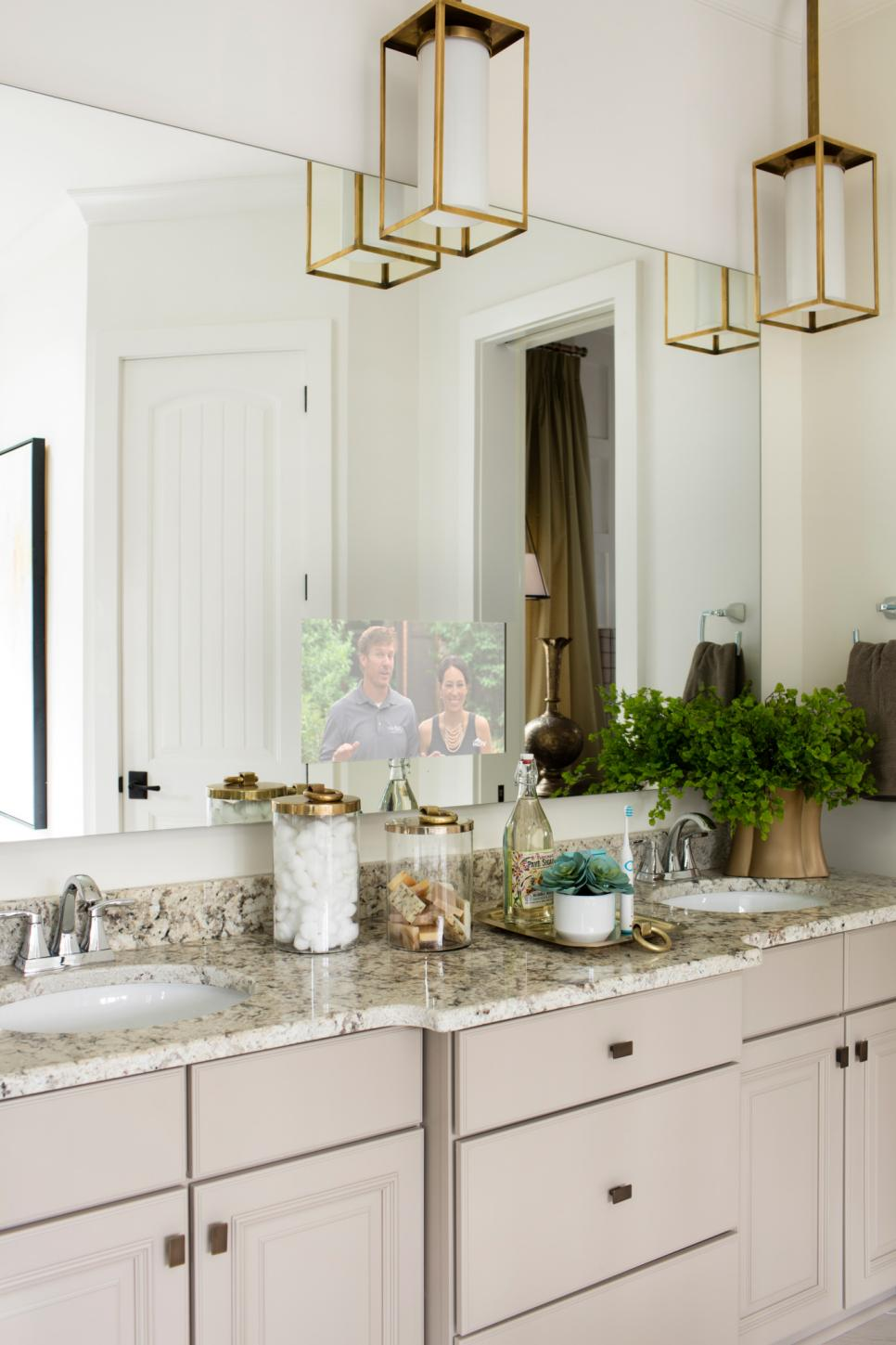 2016 HGTV Smart Home Master Bathroom
