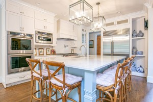kitchen trends 2020, white cabinets